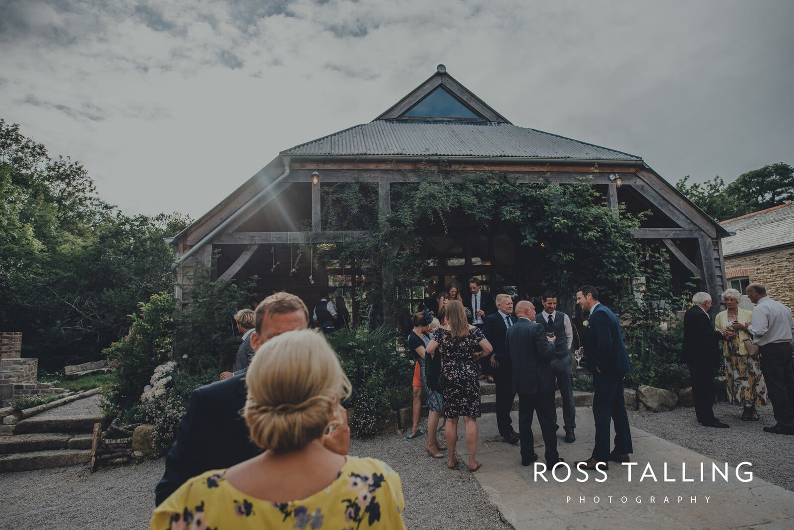 nigel-lauras-nancarrow-farm-wedding-photography_0149