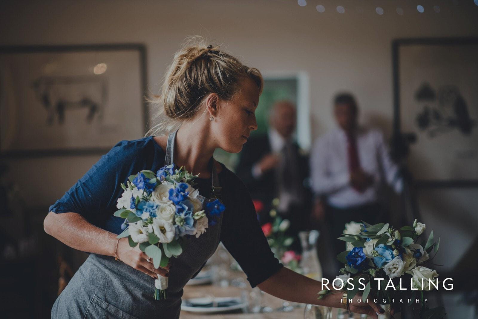 nigel-lauras-nancarrow-farm-wedding-photography_0104