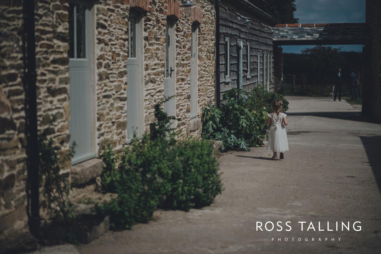 nigel-lauras-nancarrow-farm-wedding-photography_0080
