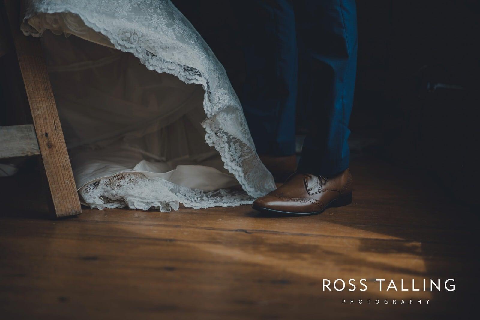 nigel-lauras-nancarrow-farm-wedding-photography_0056