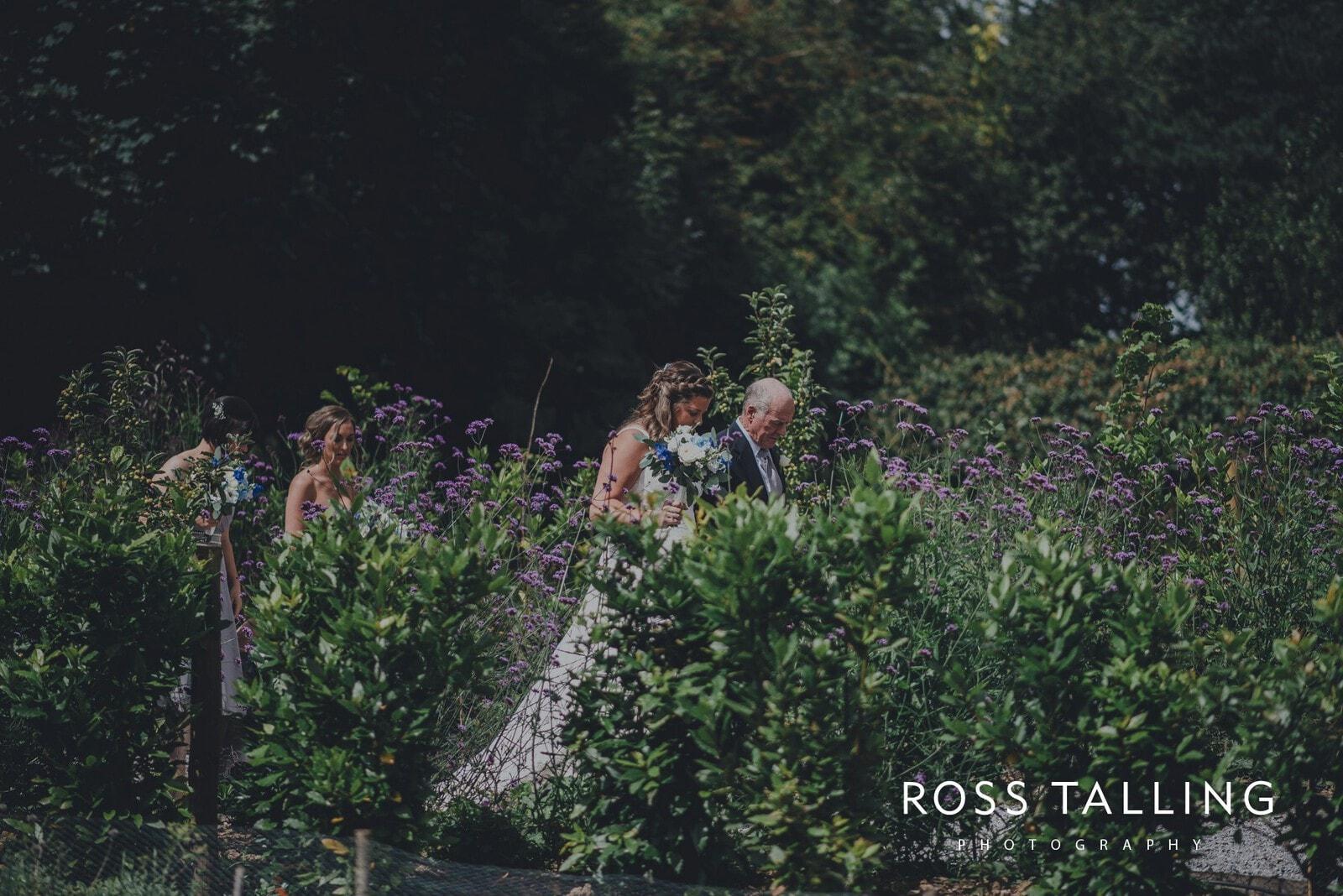 nigel-lauras-nancarrow-farm-wedding-photography_0032