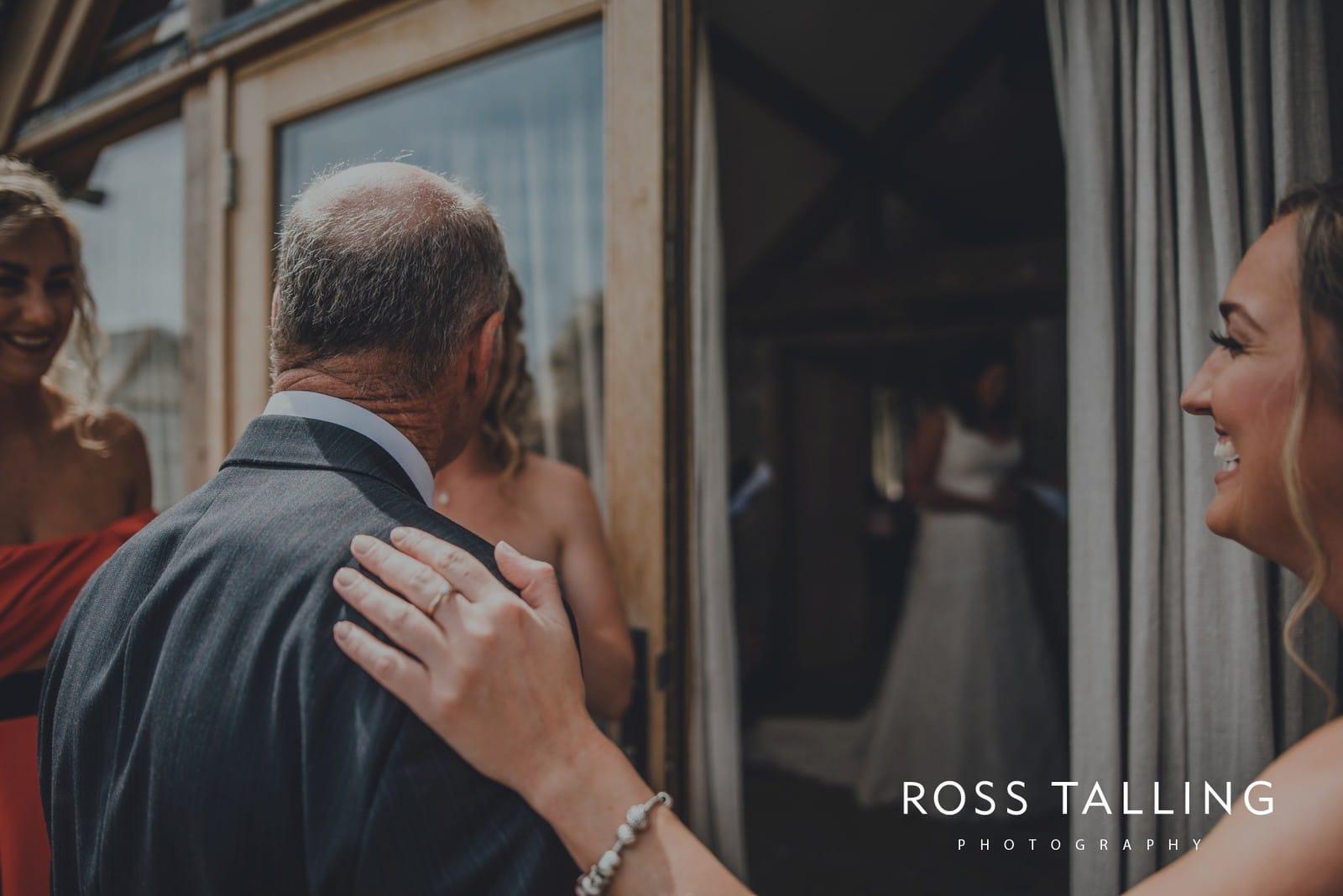 nigel-lauras-nancarrow-farm-wedding-photography_0025