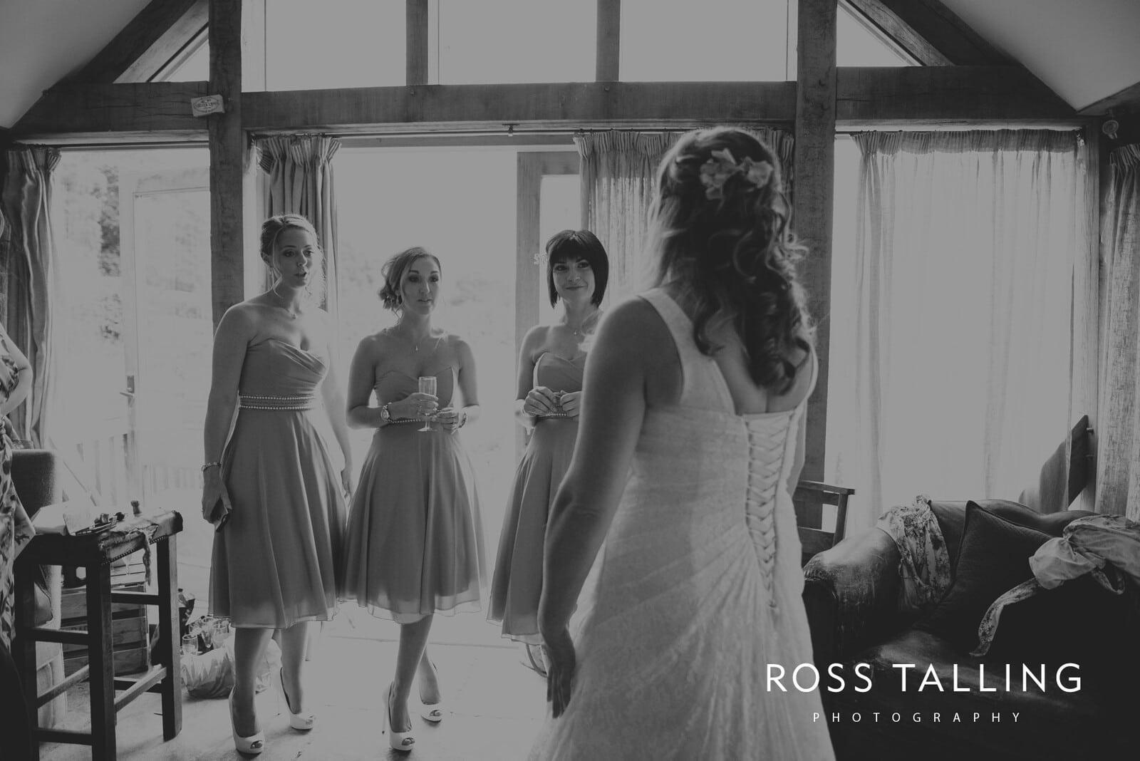 nigel-lauras-nancarrow-farm-wedding-photography_0018