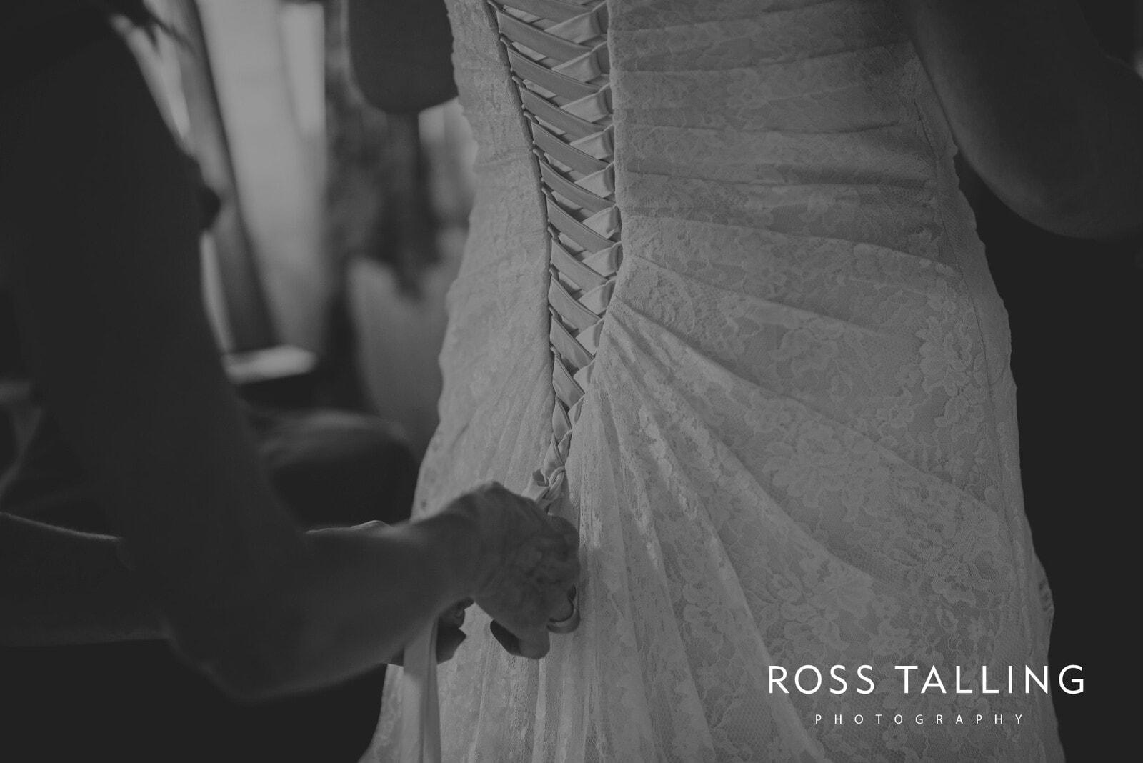 nigel-lauras-nancarrow-farm-wedding-photography_0016