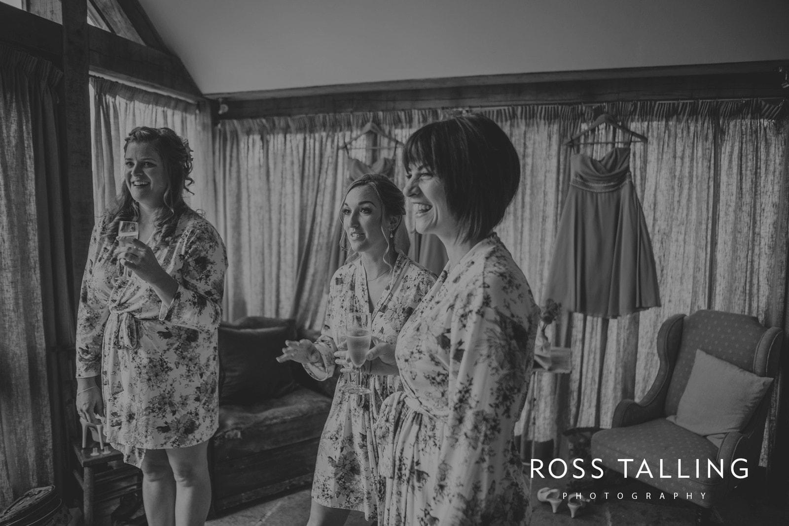 nigel-lauras-nancarrow-farm-wedding-photography_0008