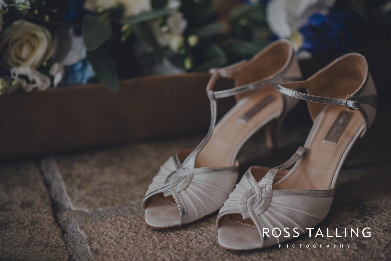 nigel-lauras-nancarrow-farm-wedding-photography_0007