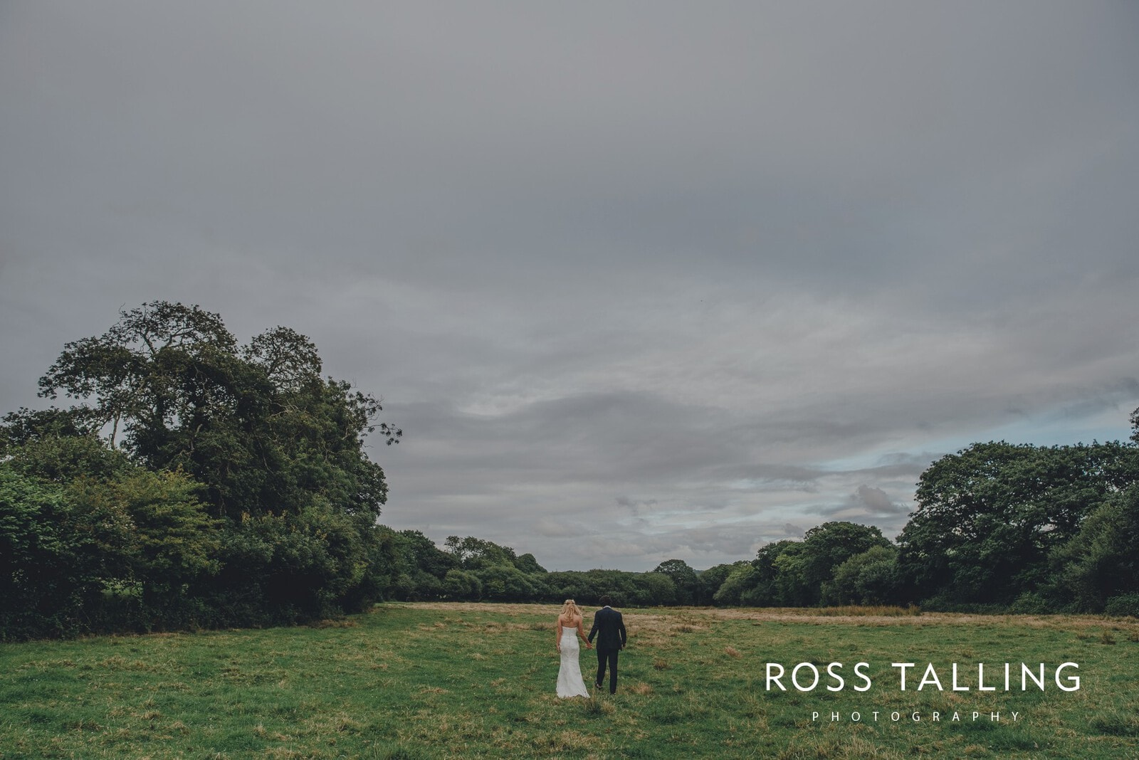 jack-caros-nancarrow-farm-wedding-photography_0221