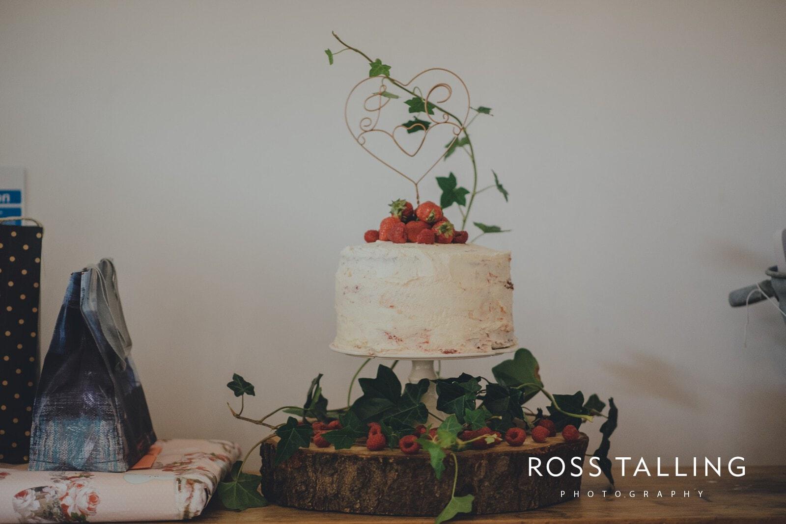 jack-caros-nancarrow-farm-wedding-photography_0137