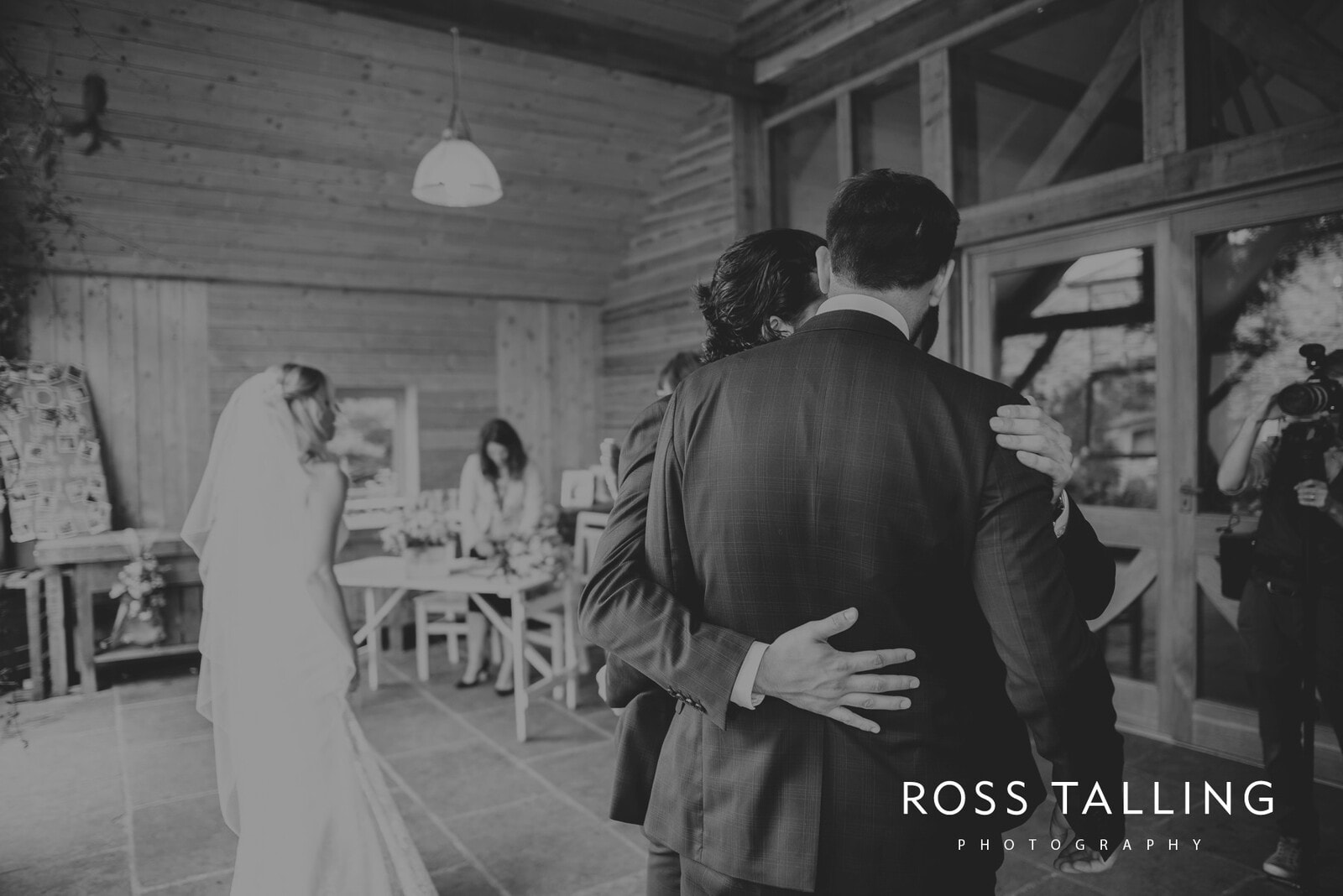 jack-caros-nancarrow-farm-wedding-photography_0121