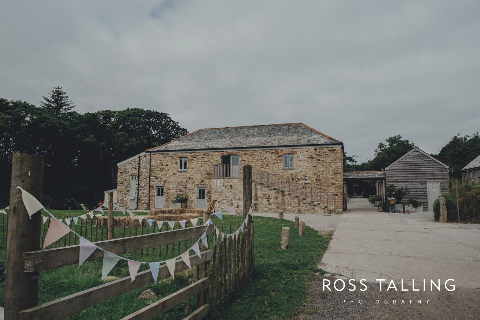 jack-caros-nancarrow-farm-wedding-photography_0002