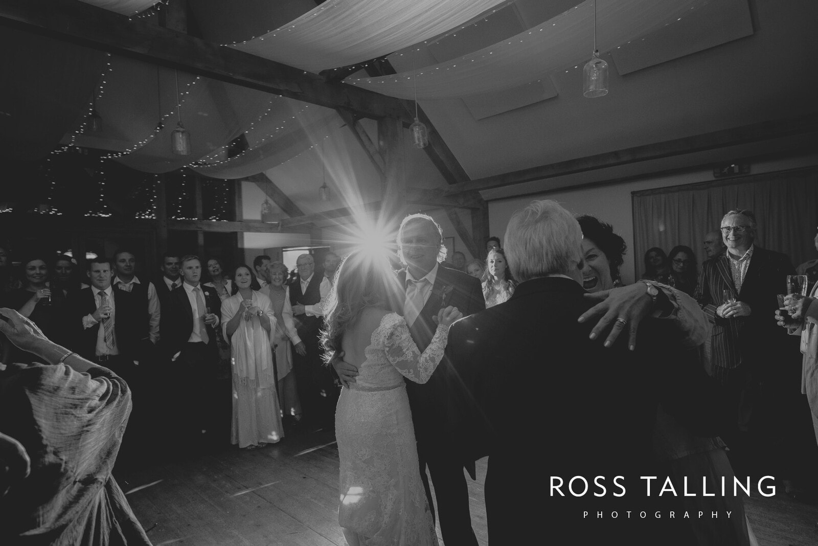 freya-jamies-nancarrow-farm-wedding-photography-cornwall_0213