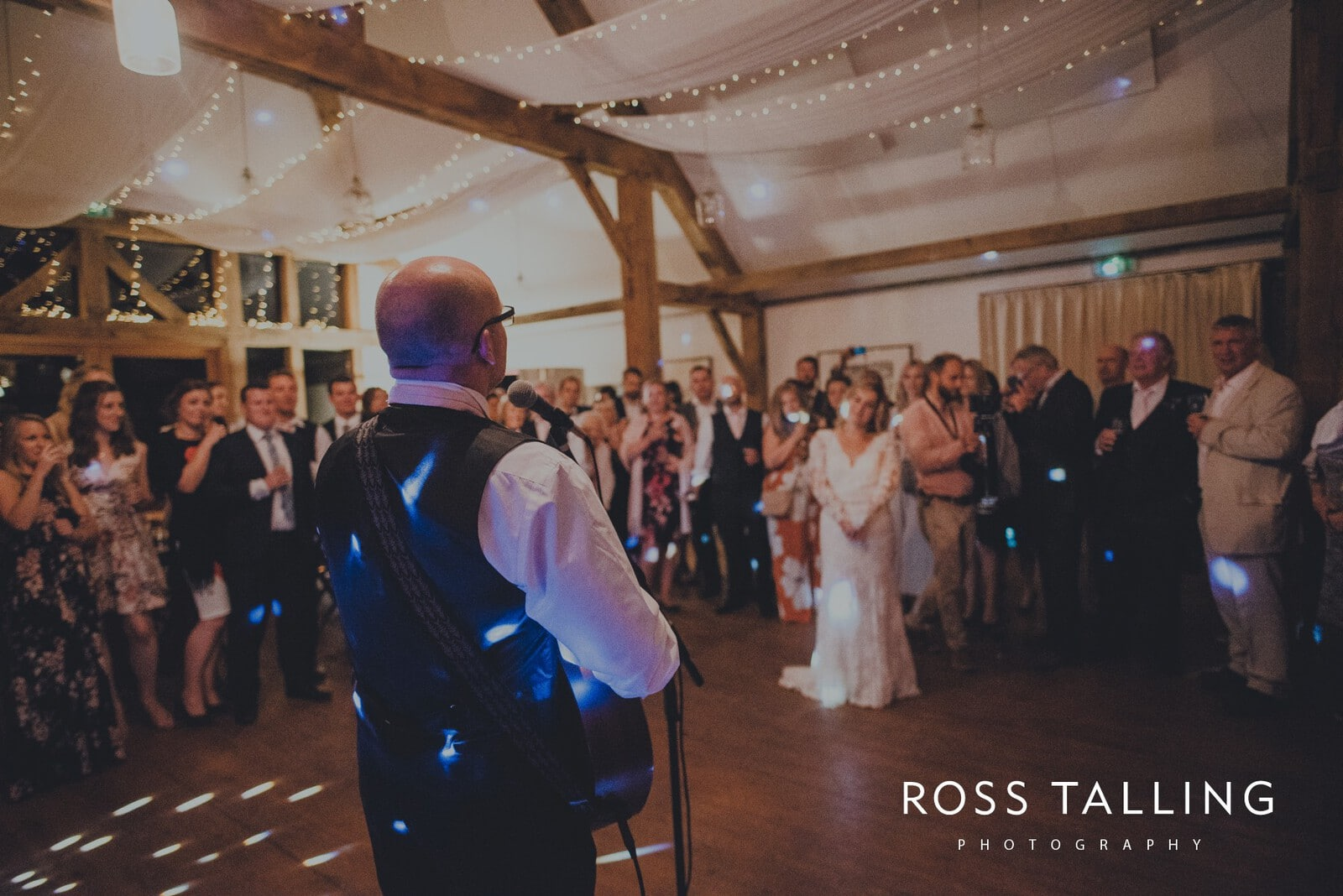 freya-jamies-nancarrow-farm-wedding-photography-cornwall_0207