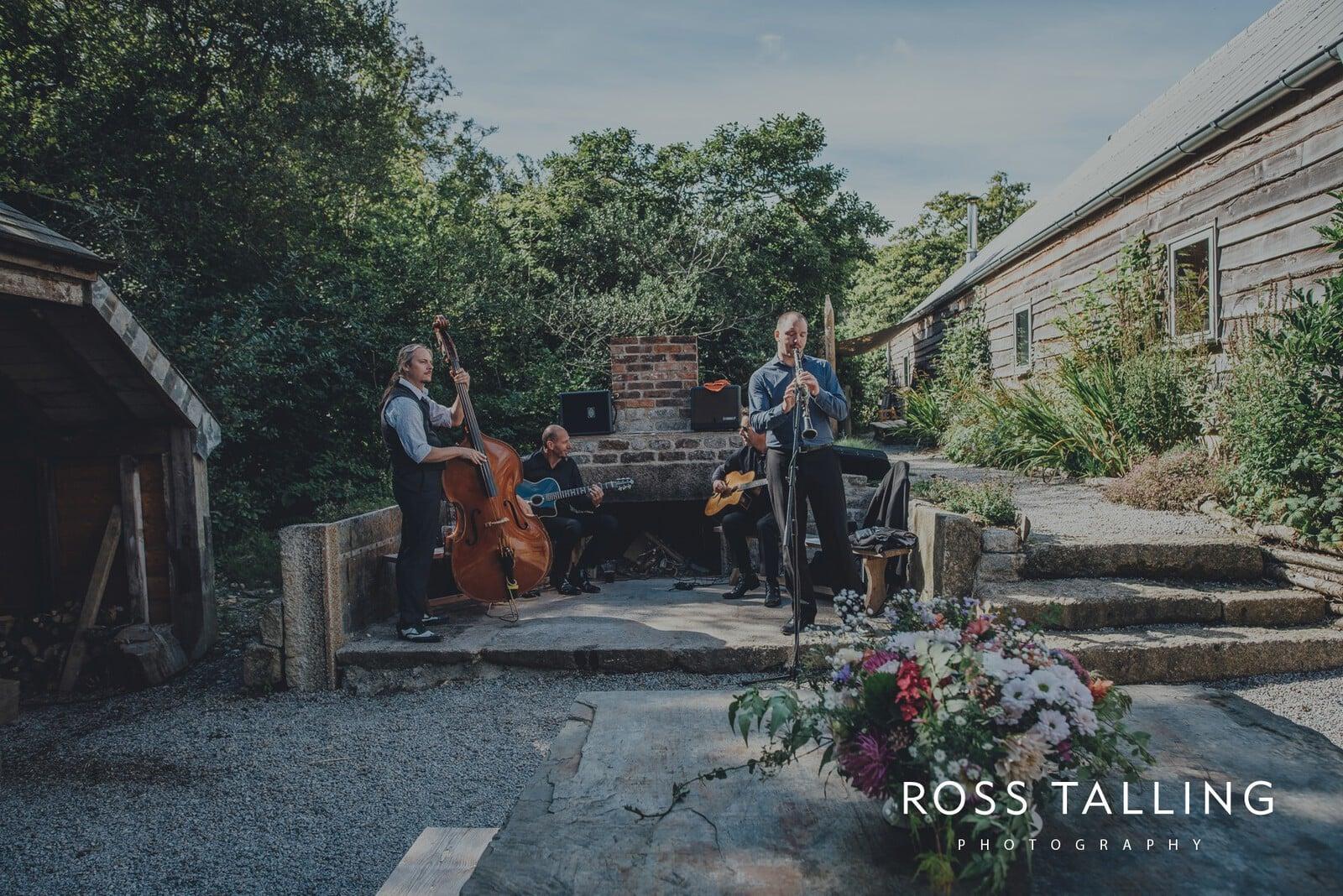 freya-jamies-nancarrow-farm-wedding-photography-cornwall_0141