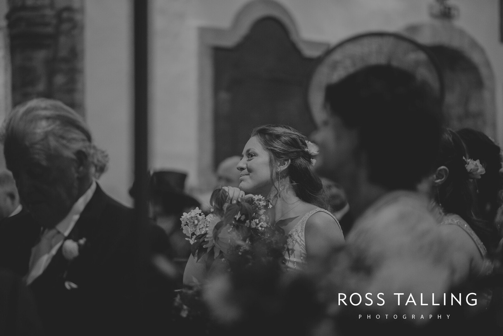 freya-jamies-nancarrow-farm-wedding-photography-cornwall_0103