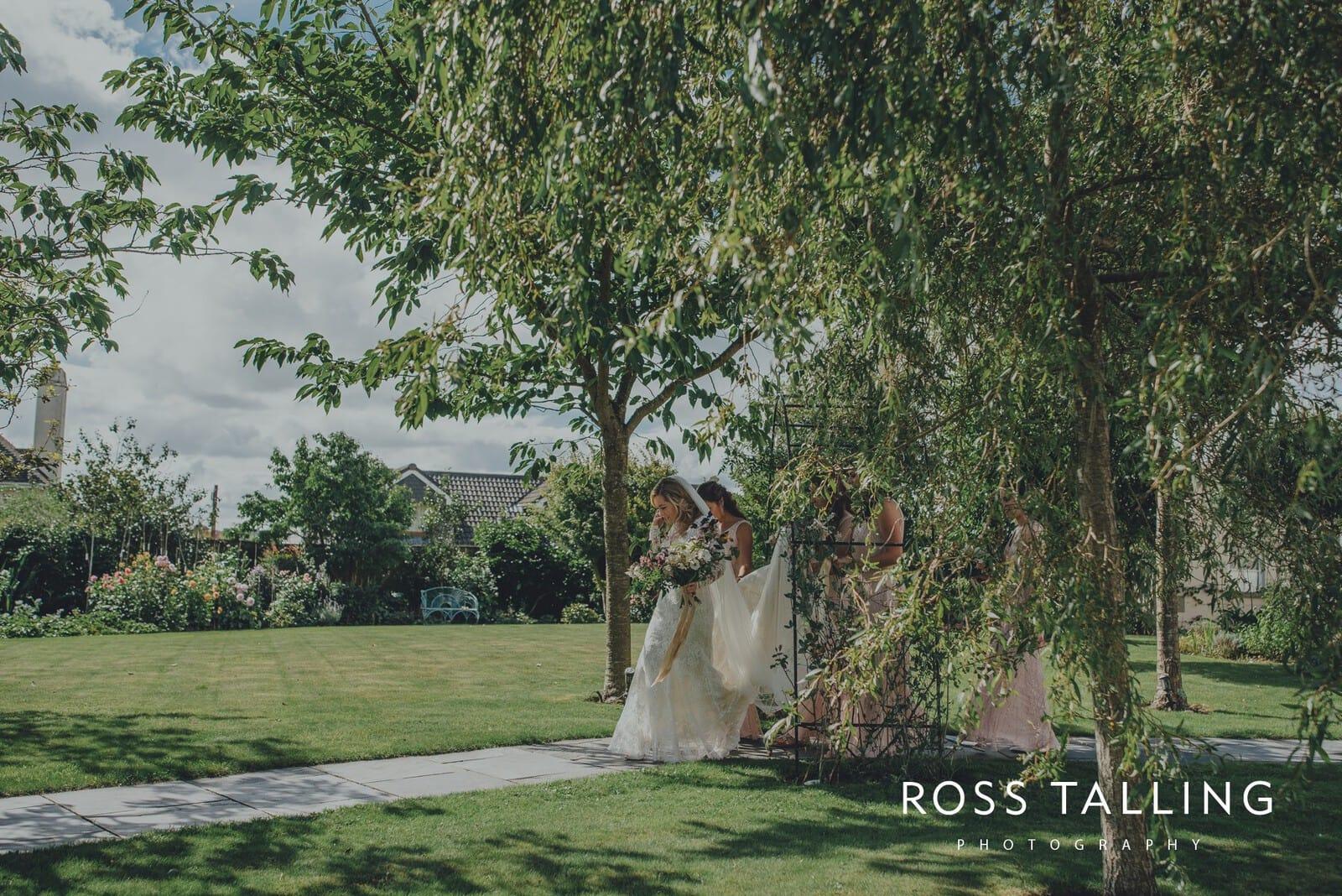 freya-jamies-nancarrow-farm-wedding-photography-cornwall_0056
