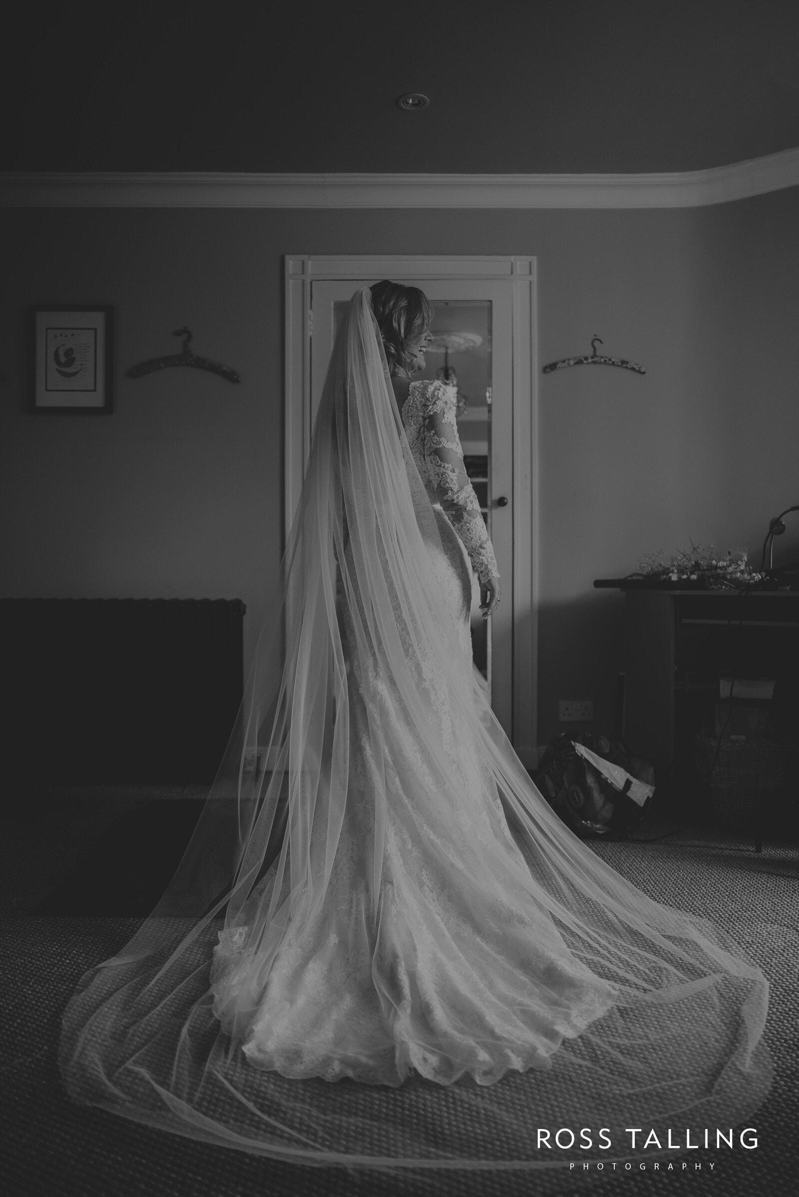 freya-jamies-nancarrow-farm-wedding-photography-cornwall_0044