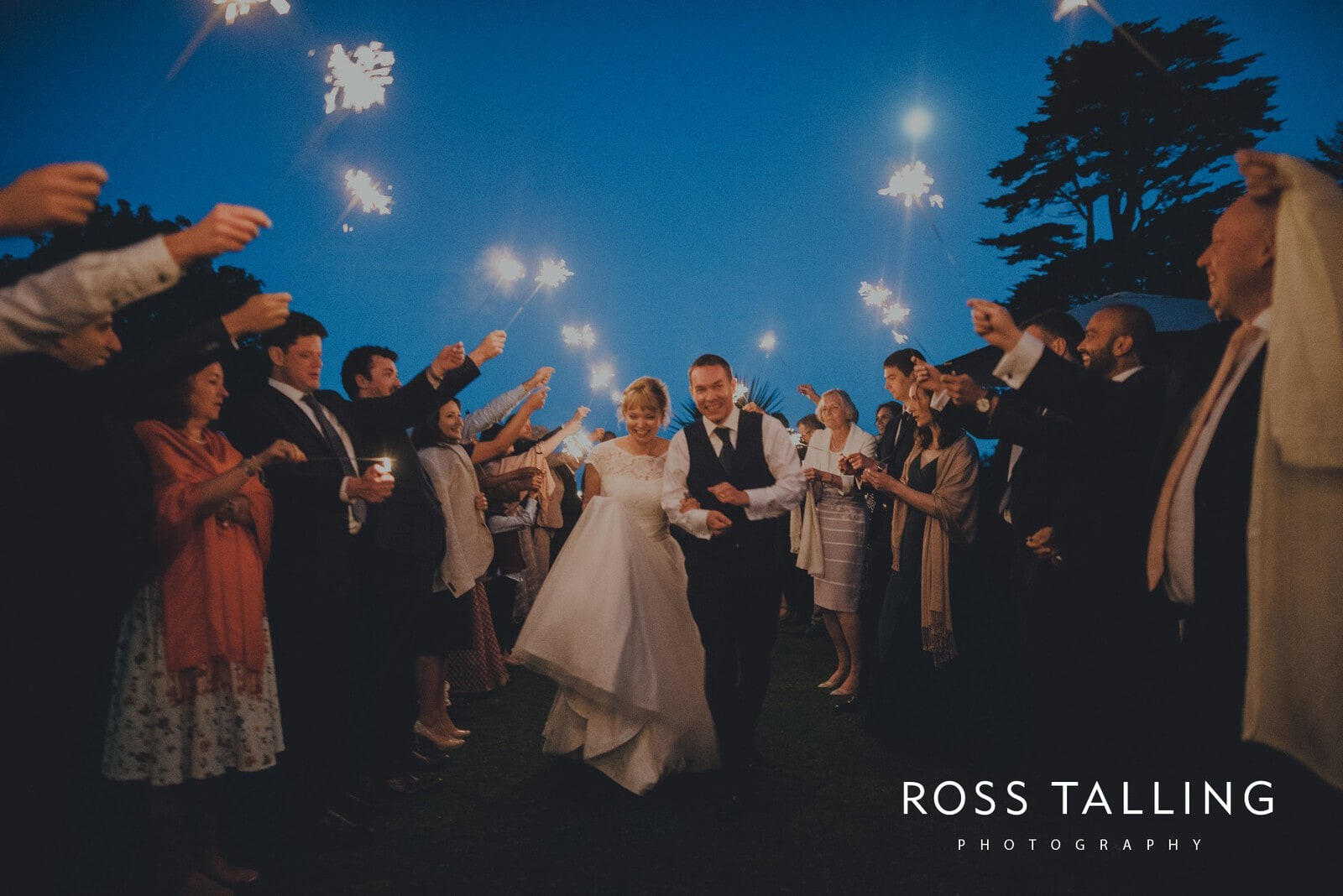 laura-matts-rosevine-hotel-wedding-photography-cornwall_0203