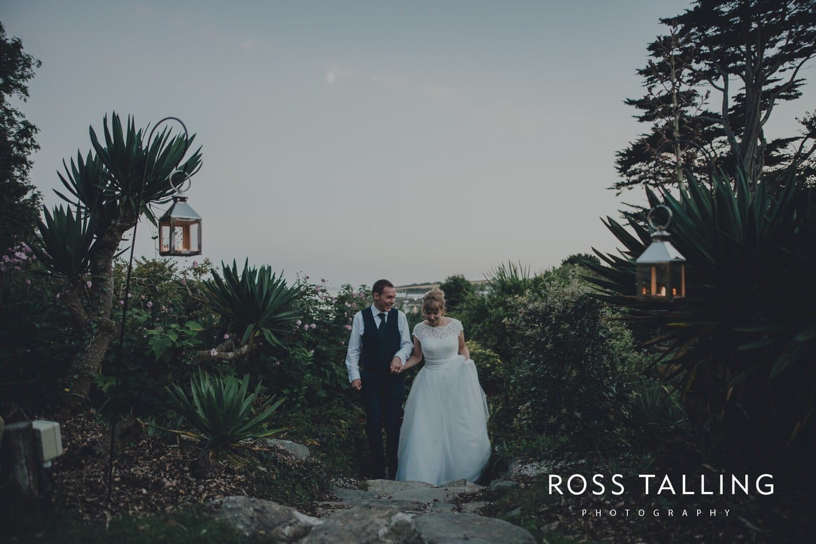 laura-matts-rosevine-hotel-wedding-photography-cornwall_0197