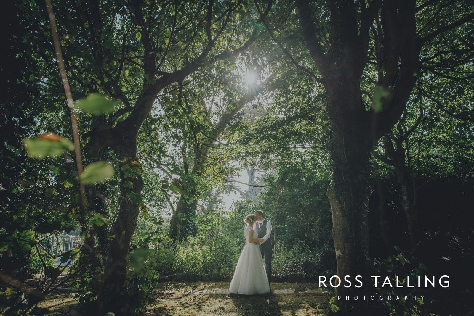 laura-matts-rosevine-hotel-wedding-photography-cornwall_0149