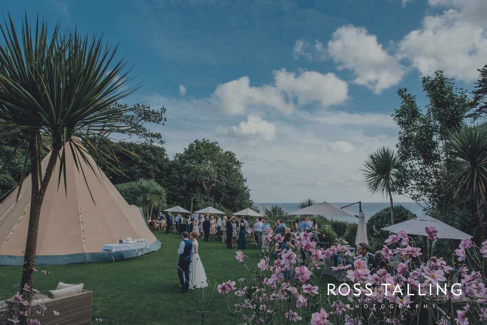 laura-matts-rosevine-hotel-wedding-photography-cornwall_0118