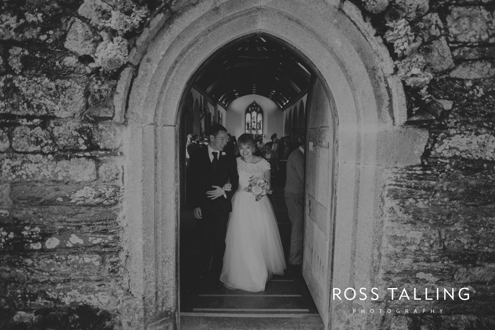 laura-matts-rosevine-hotel-wedding-photography-cornwall_0085