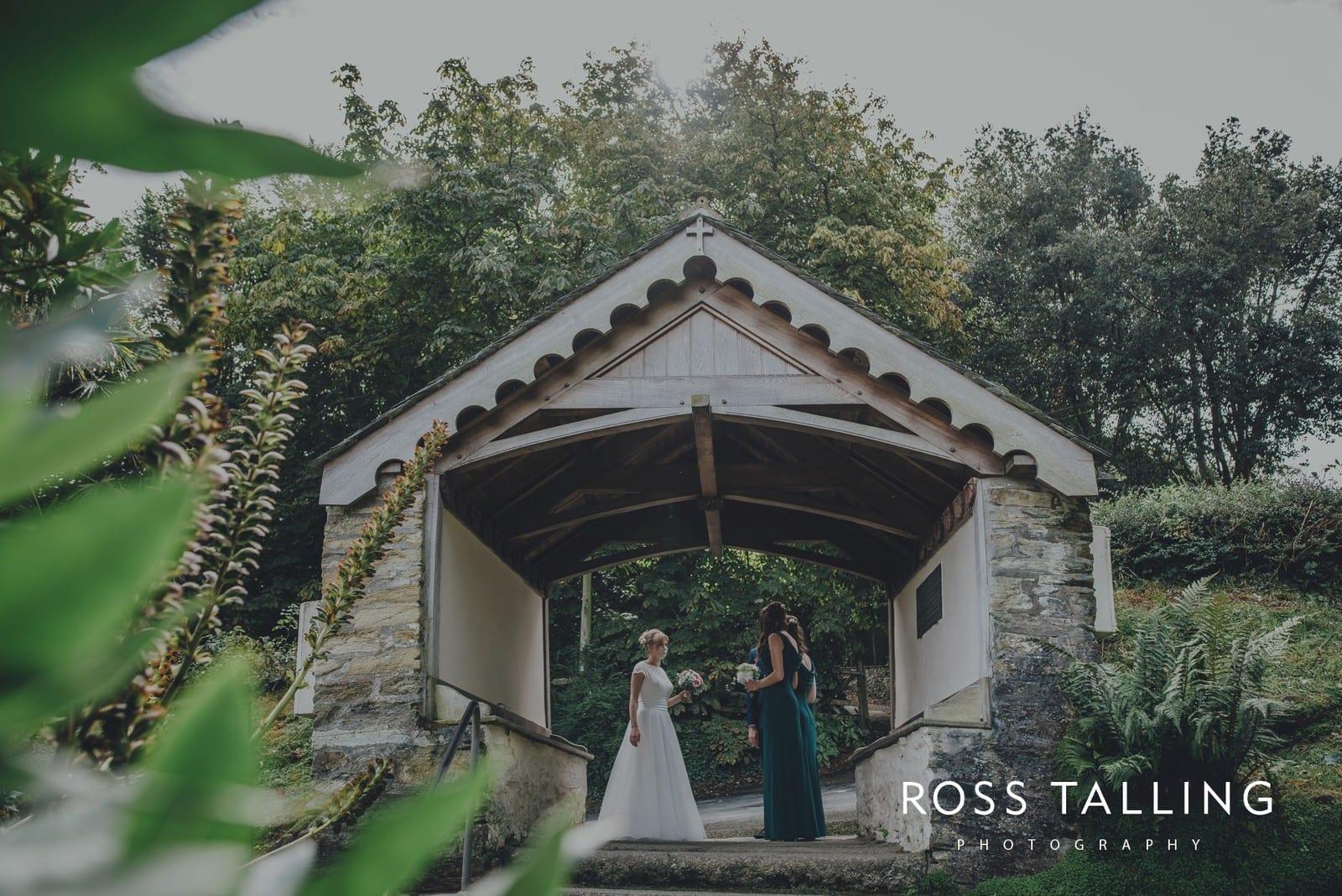 laura-matts-rosevine-hotel-wedding-photography-cornwall_0048