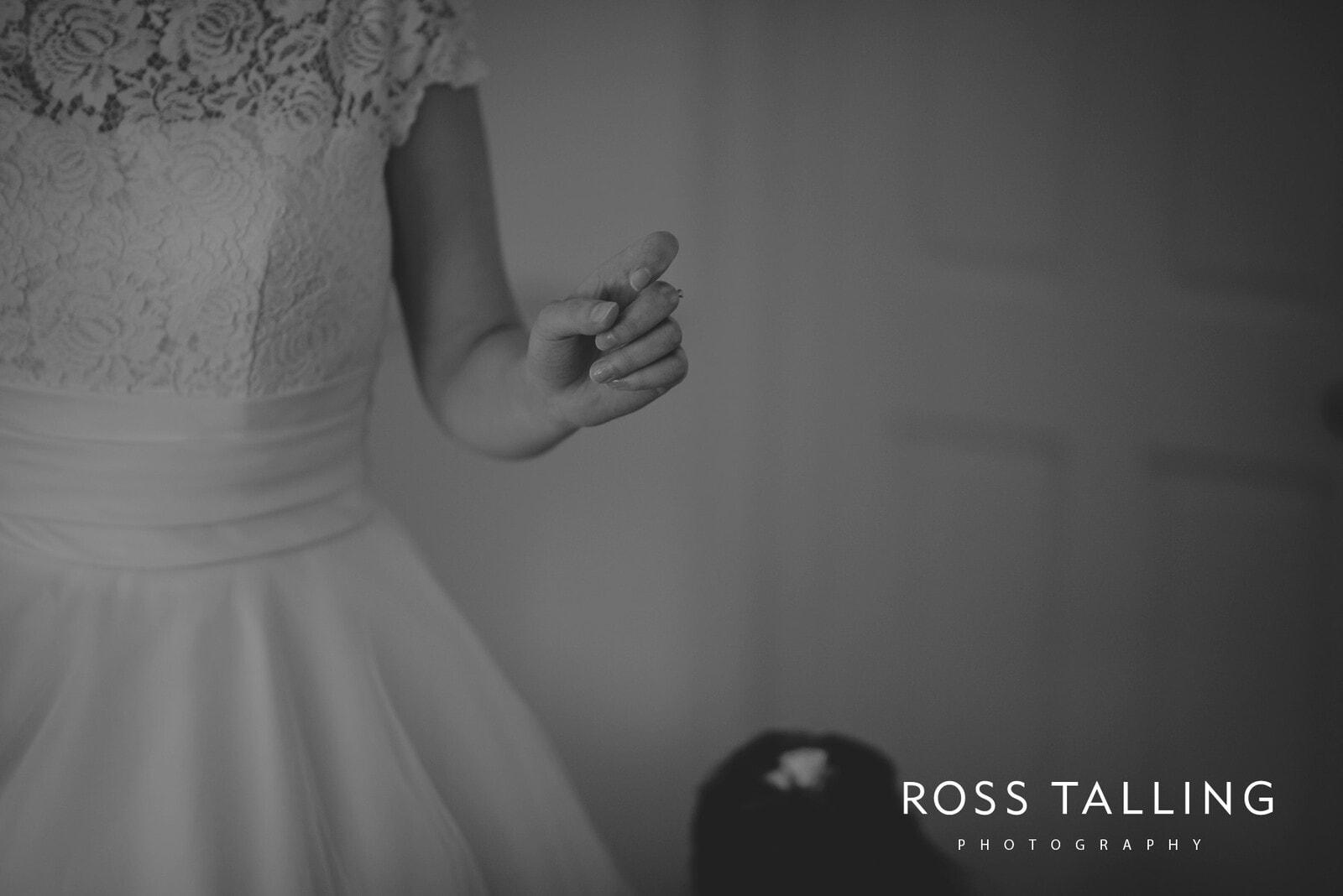 laura-matts-rosevine-hotel-wedding-photography-cornwall_0043