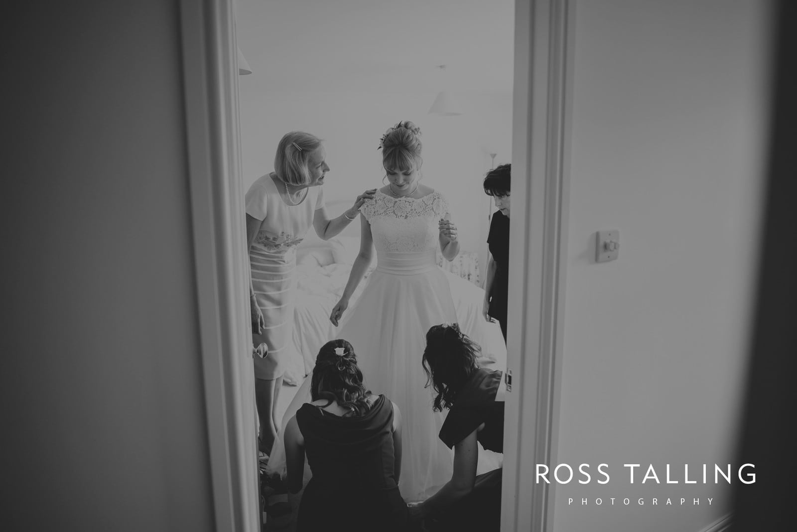 laura-matts-rosevine-hotel-wedding-photography-cornwall_0041