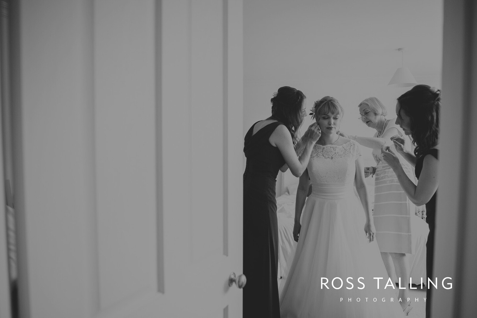 laura-matts-rosevine-hotel-wedding-photography-cornwall_0036