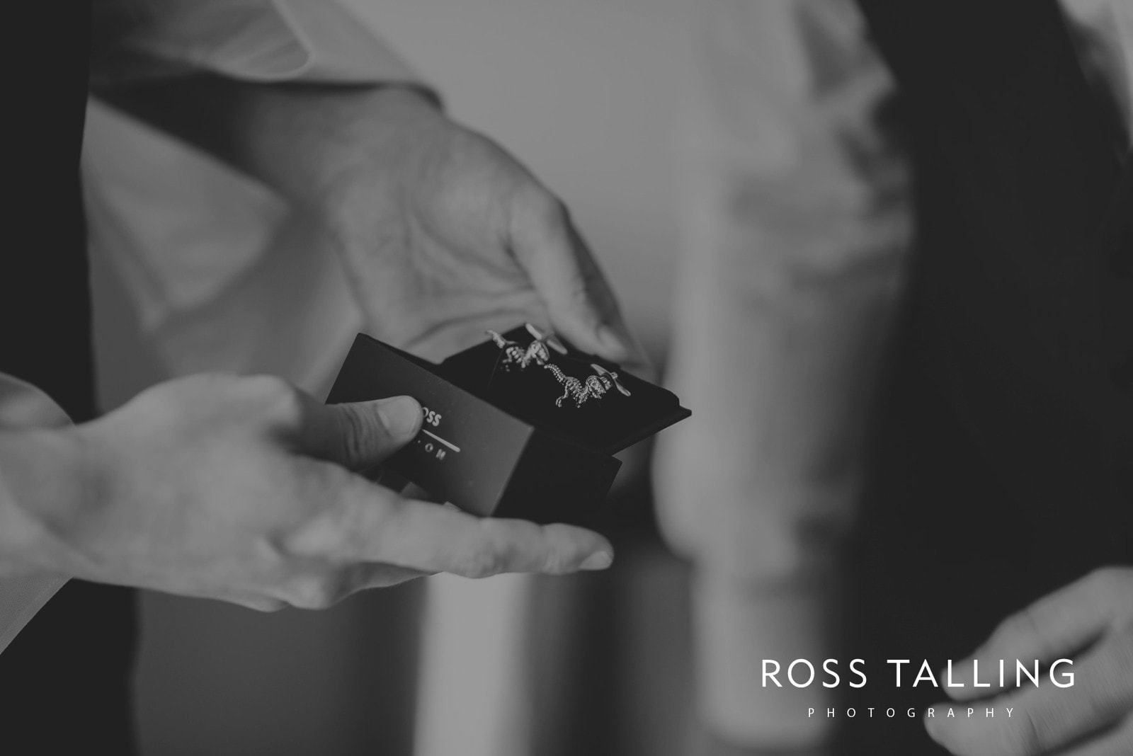 laura-matts-rosevine-hotel-wedding-photography-cornwall_0005