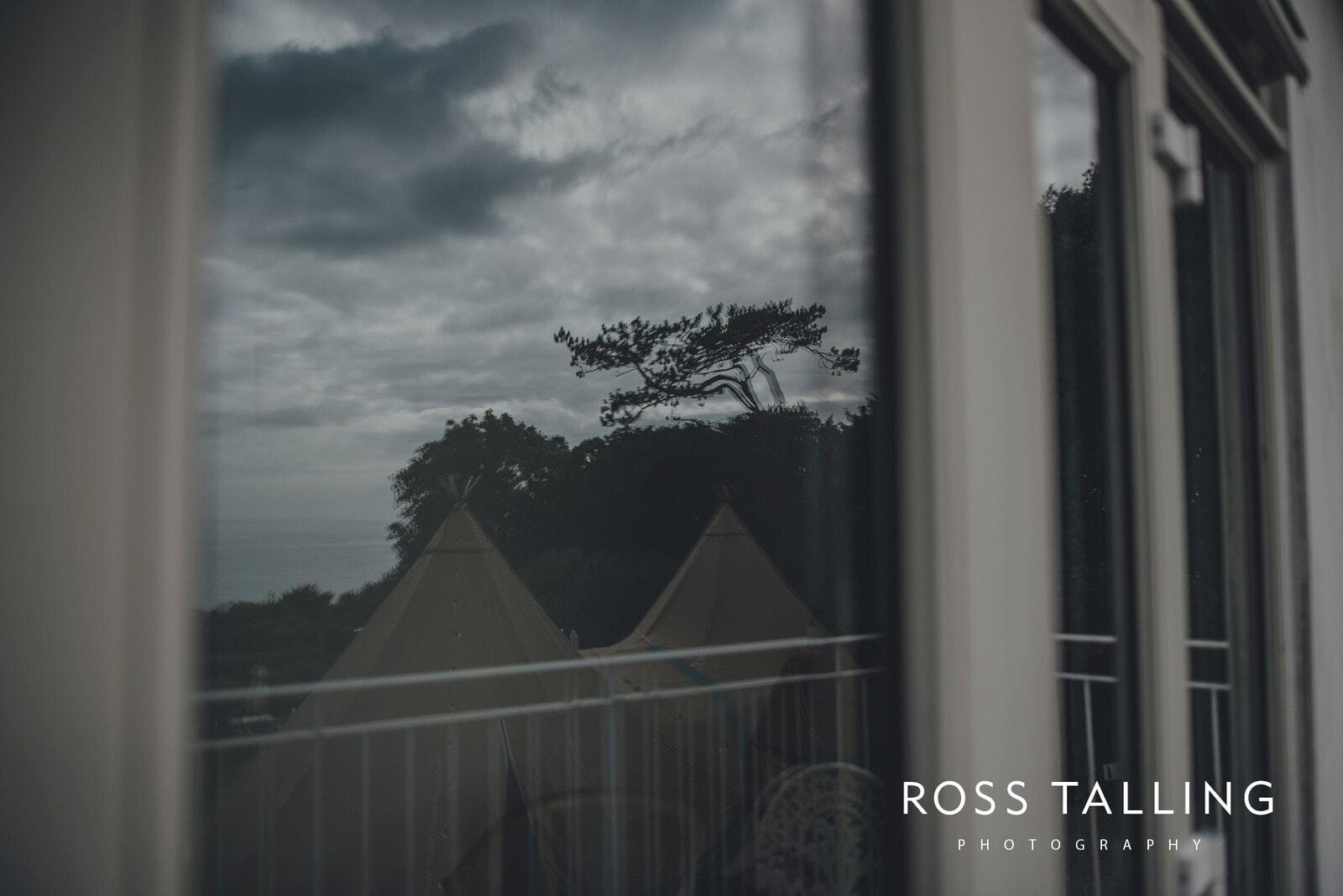 laura-matts-rosevine-hotel-wedding-photography-cornwall_0002