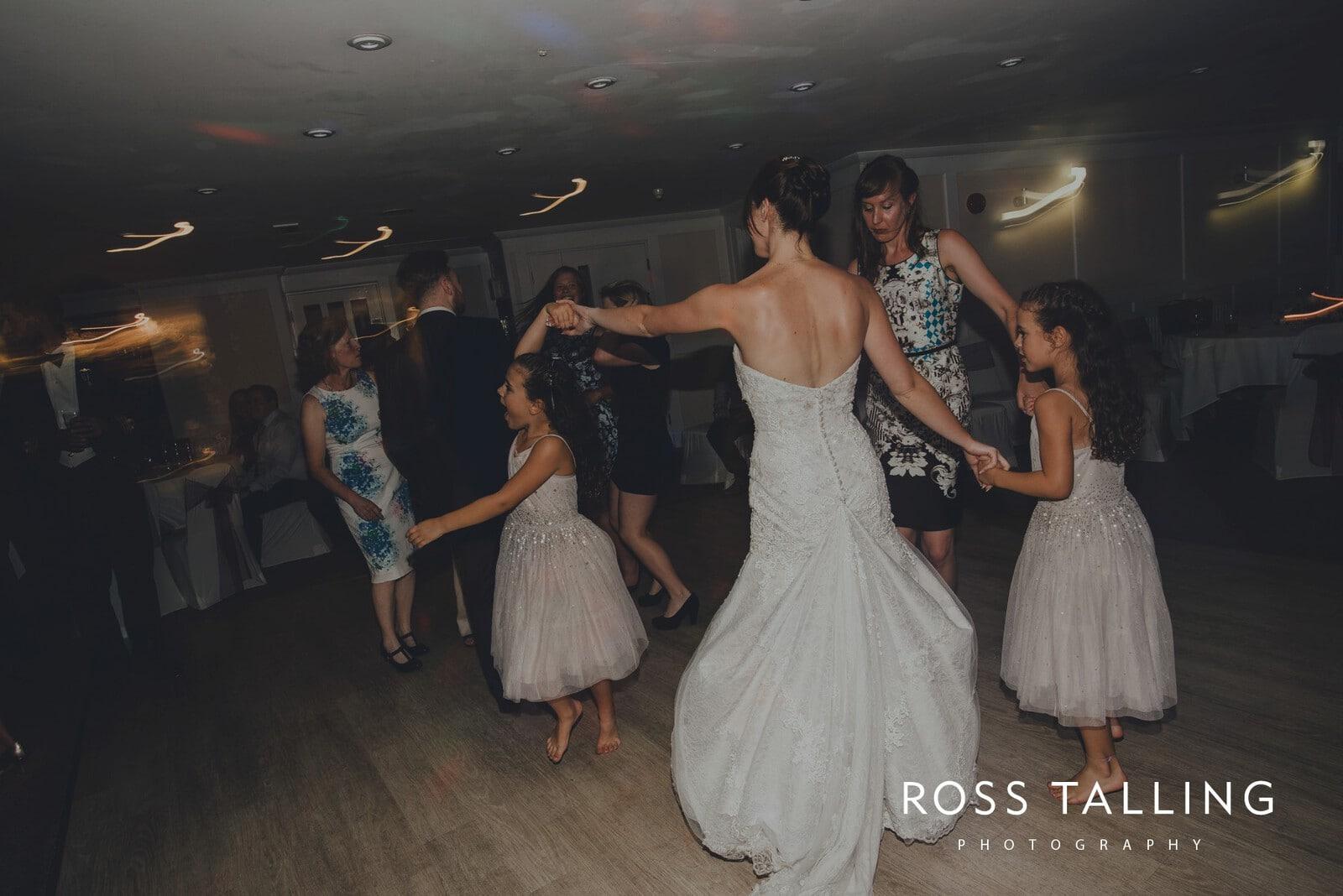 lorrie-gareths-wedding-photography-cornwall_0173