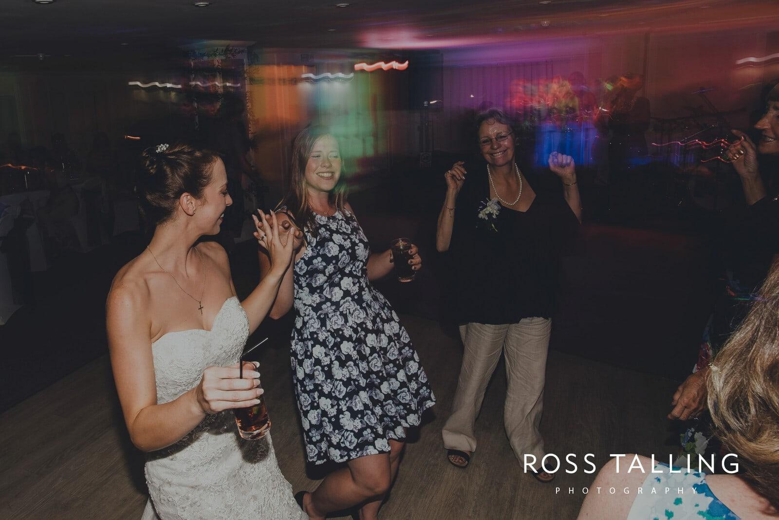lorrie-gareths-wedding-photography-cornwall_0169