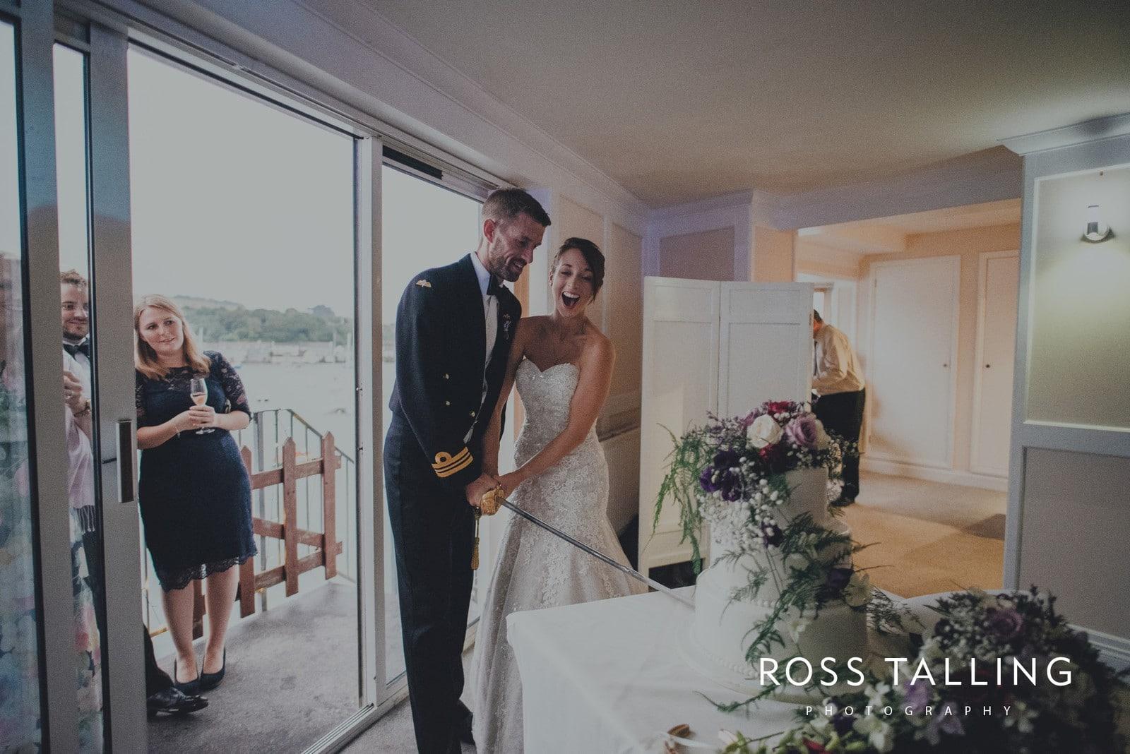lorrie-gareths-wedding-photography-cornwall_0153