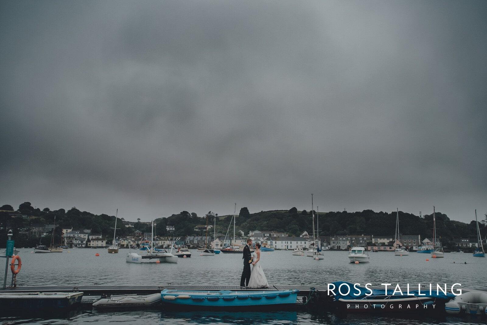 lorrie-gareths-wedding-photography-cornwall_0151