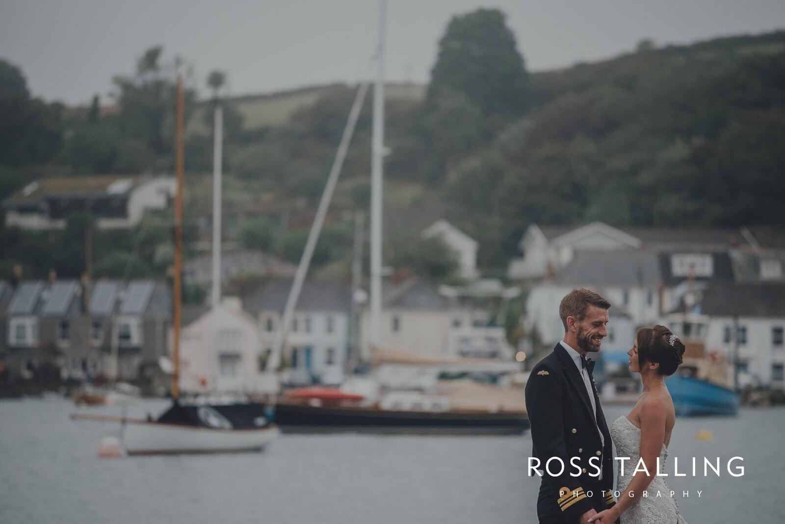 lorrie-gareths-wedding-photography-cornwall_0150