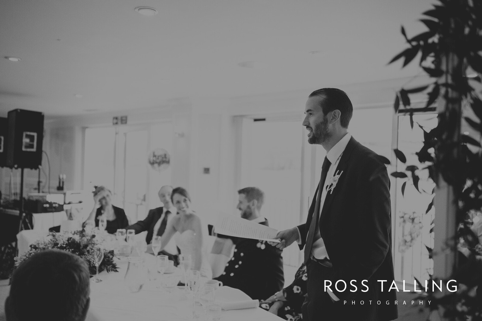 lorrie-gareths-wedding-photography-cornwall_0135