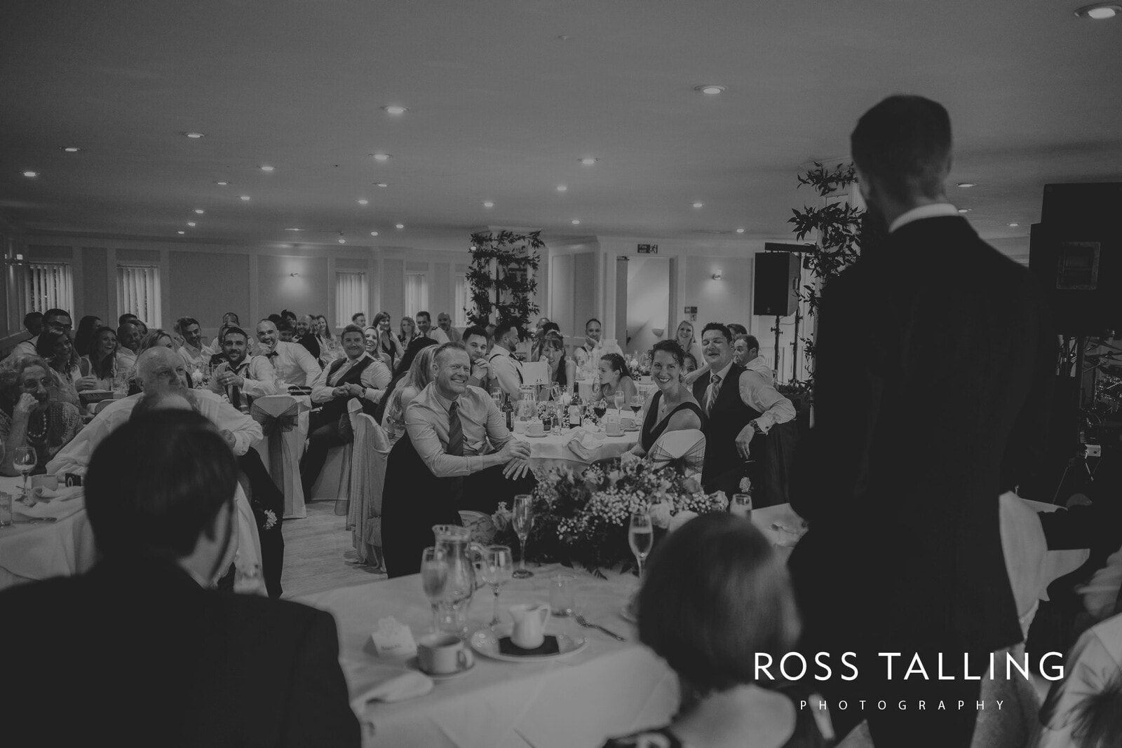 lorrie-gareths-wedding-photography-cornwall_0125