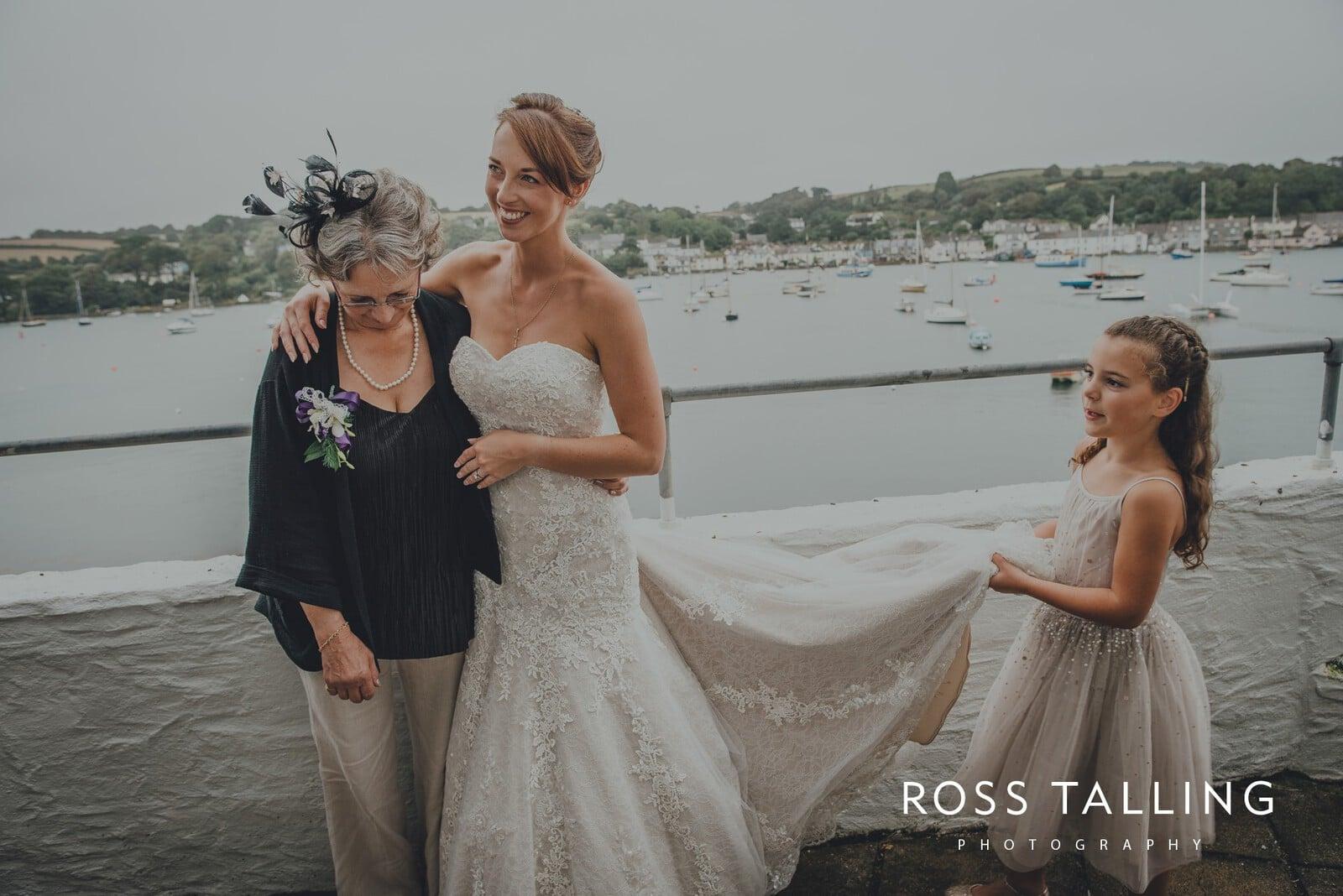 lorrie-gareths-wedding-photography-cornwall_0113