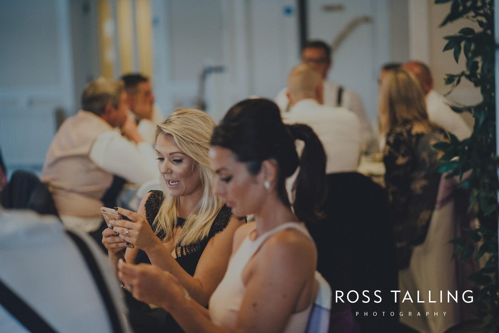 lorrie-gareths-wedding-photography-cornwall_0112