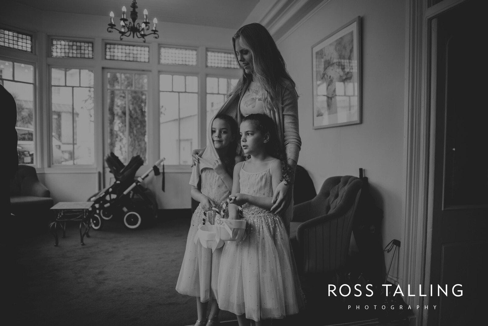 lorrie-gareths-wedding-photography-cornwall_0100