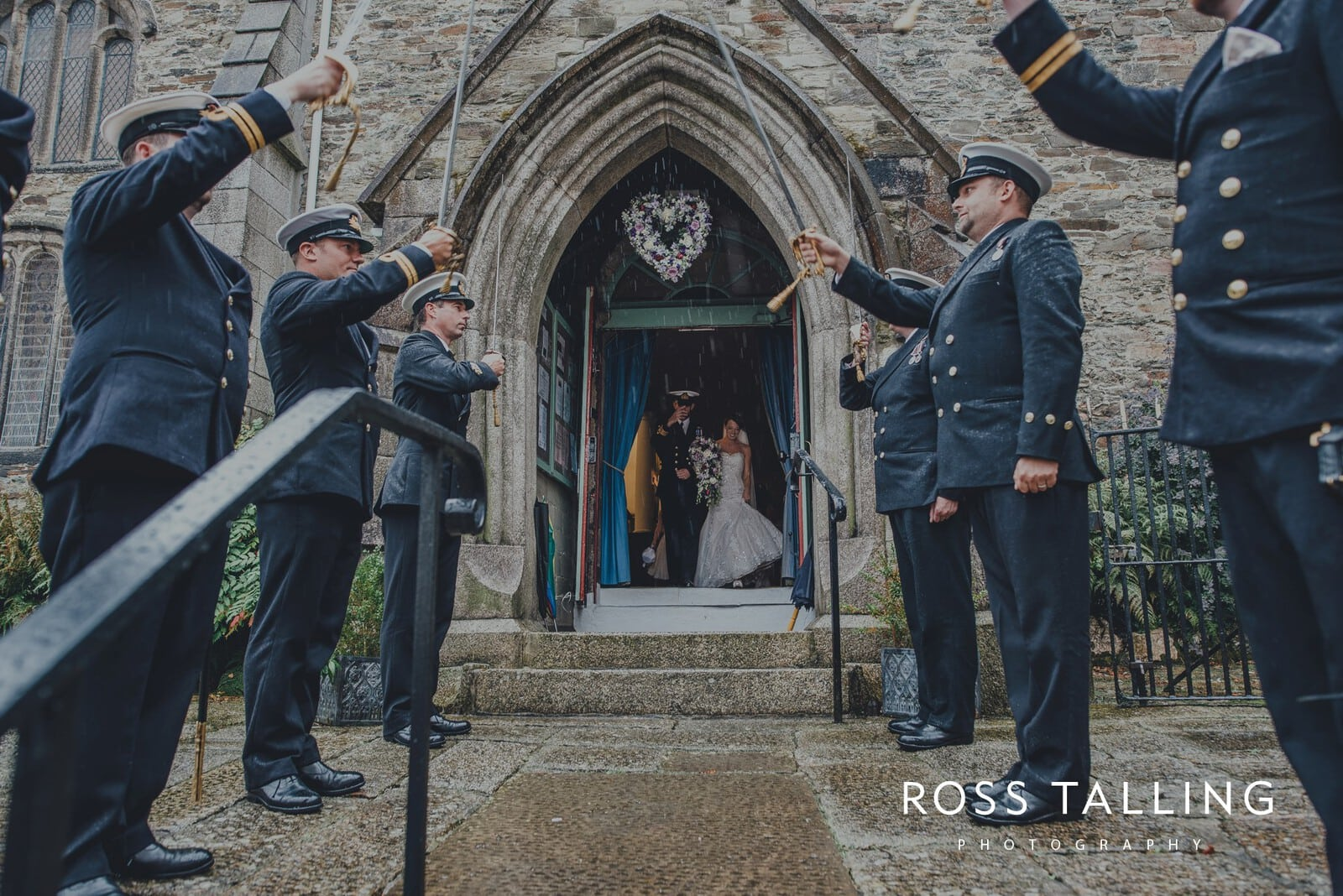 lorrie-gareths-wedding-photography-cornwall_0094