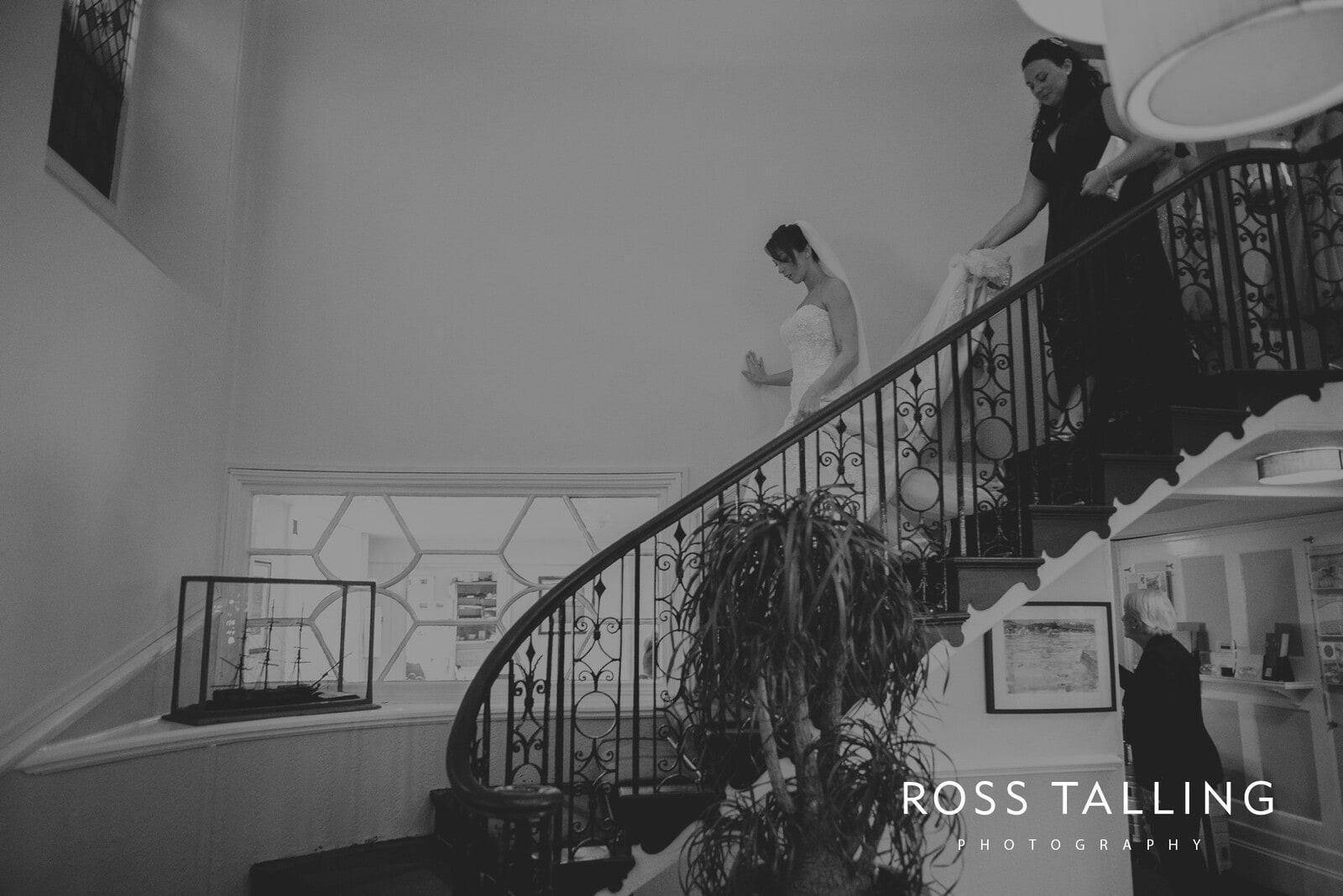 lorrie-gareths-wedding-photography-cornwall_0056