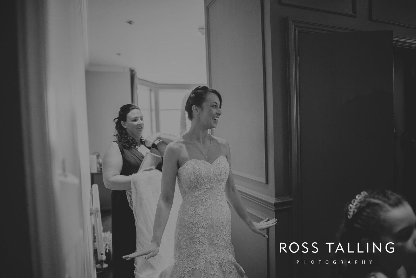 lorrie-gareths-wedding-photography-cornwall_0054