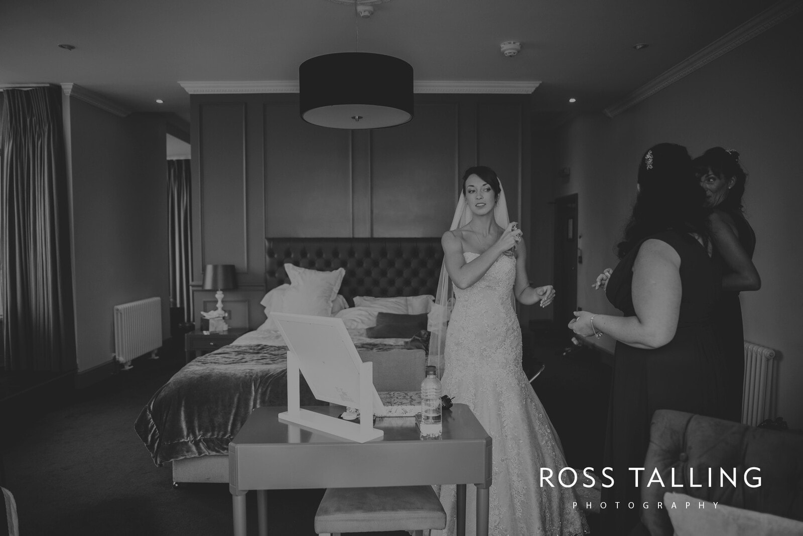 lorrie-gareths-wedding-photography-cornwall_0052