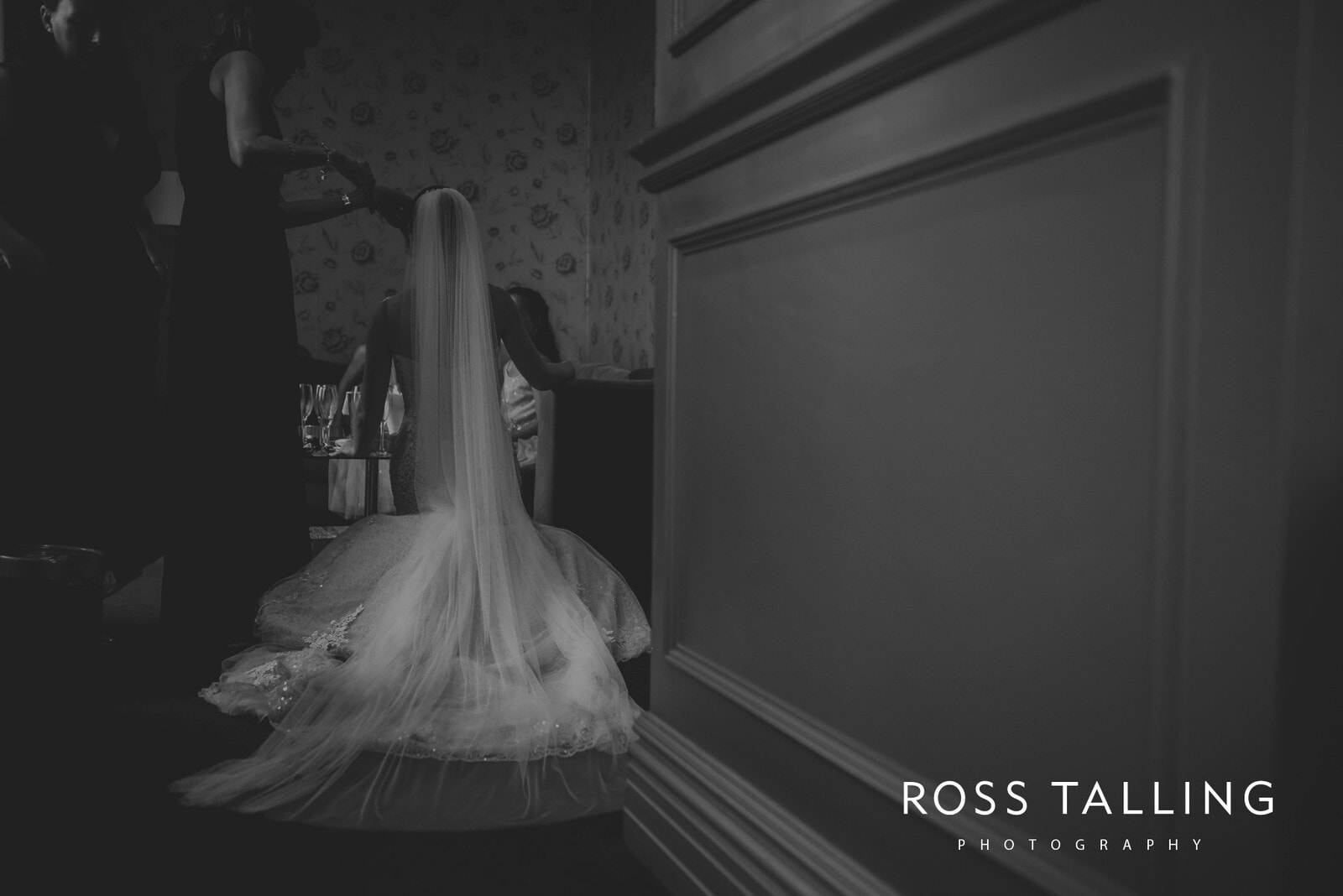 lorrie-gareths-wedding-photography-cornwall_0051