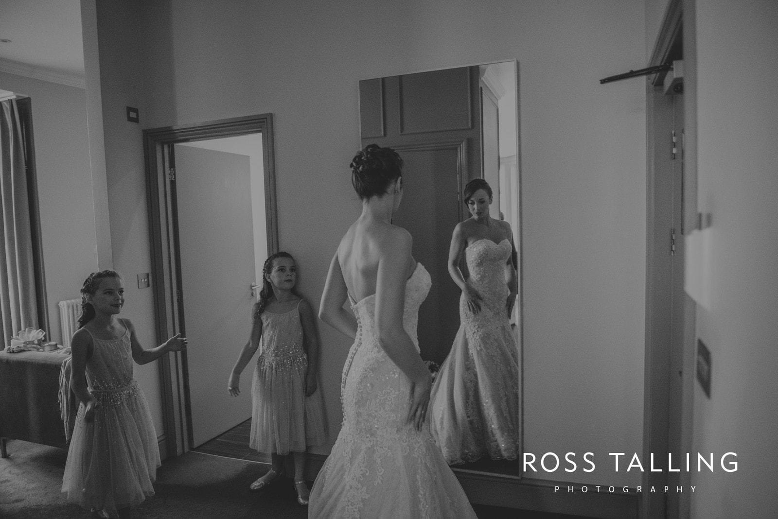 lorrie-gareths-wedding-photography-cornwall_0045