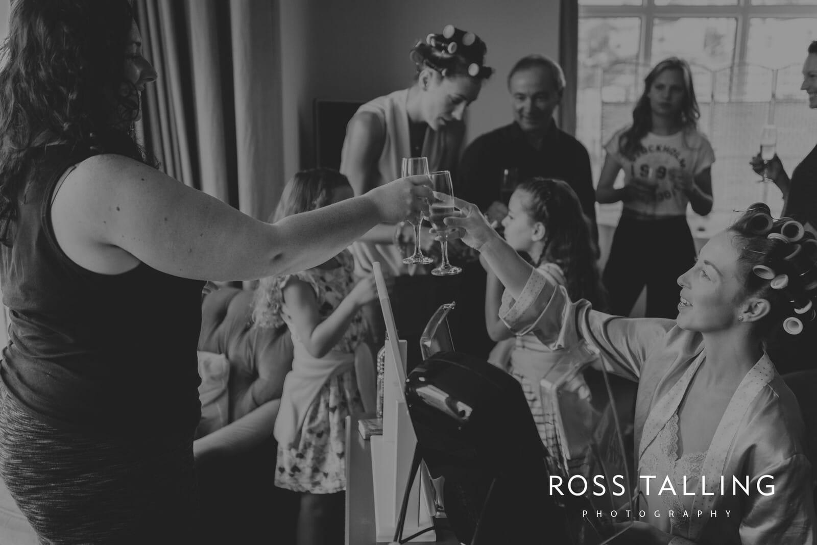 lorrie-gareths-wedding-photography-cornwall_0002